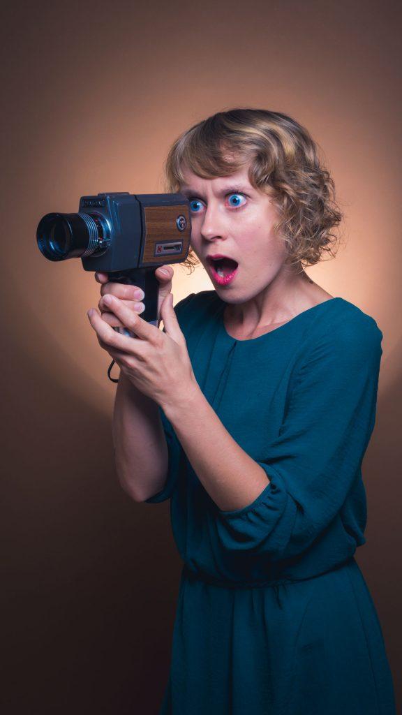 actriz posando para book de fotos de actriz y figuración