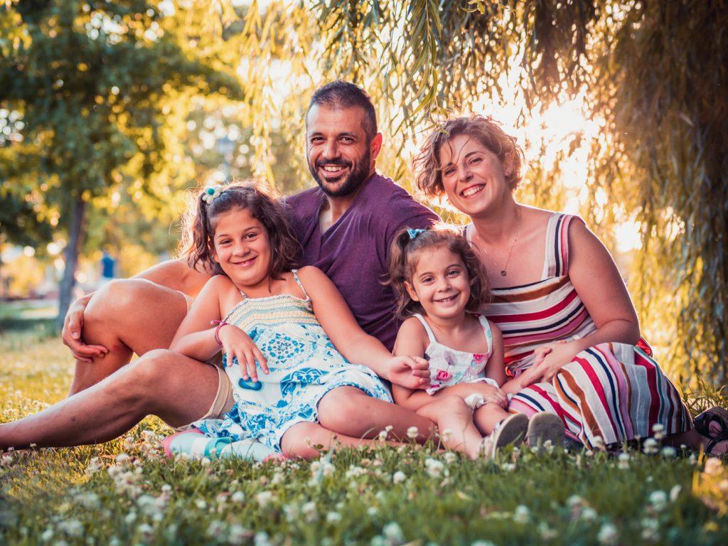 Sesión de fotos en exteriores para niños y familias